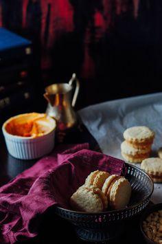 ALFAJORES – Dulche de leche sandwich cookies   A cupcake for Love