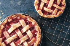 Rhubarb-pie-with-lattice-crust600