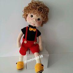 Best 11 Amigurumi Baby Making – Amigurumi – SkillOfKing. Free Crochet Bag, Crochet Bunny, Cute Crochet, Crochet Animals, Crochet Doll Pattern, Crochet Patterns Amigurumi, Amigurumi Doll, Knitted Dolls, Crochet Dolls