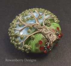 Celtic Poppy Tree Lampwork glass lentil focal bead by Rowanberry Glass Art Beads And Wire, Clay Beads, Lampwork Beads, Clay Jewelry, Beaded Jewelry, Button Art, Vintage Buttons, How To Make Beads, Bead Art