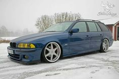 BMW E39 5 series blue touring