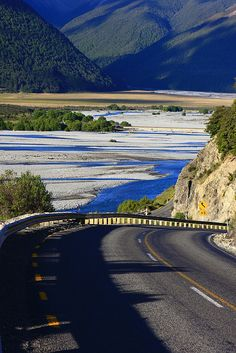 Waimakariri River and Arthur's Pass National Park, New Zealand