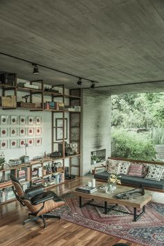 """NEW VINTAGE With increasing gentrification, Mexicans try to preserve the past by adding vintage pieces to their remodeled spaces. """"More and more, they want to stay away from the norm and give their spaces a personal touch...everything in the same space has it's own raison d'être."""" — Michelle Griffing, Editor In Chief, ELLE Decoration Mexico   - ELLEDecor.com"""