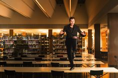 »My Fair Lady« | Max Hopp in der Berliner Stadtbibliothek der ZLB | © Jan Windszus Photography