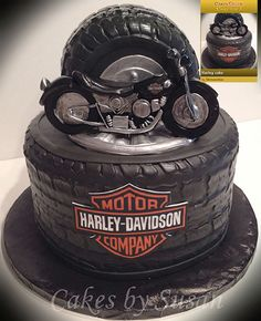 Part 4 of many, many cakes and other pastry made to be like the Harley-Davidson logo or motorcycles. Sugar rush coming up.