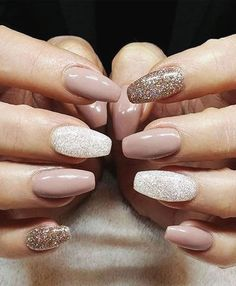 Nail art is a very popular trend these days and every woman you meet seems to have beautiful nails. It used to be that women would just go get a manicure or pedicure to get their nails trimmed and shaped with just a few coats of plain nail polish. Cute Easy Nail Designs, Beautiful Nail Designs, Nail Art Designs, Nails Design, Winter Nail Designs, Nail Ideas For Winter, Beautiful Images, Acrylic Nail Designs Glitter, Neutral Nail Designs