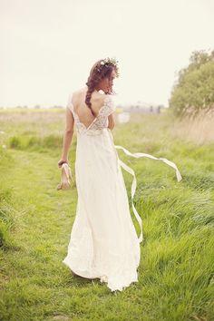 ► Vestido de novia por Claire Pettibone. #vestidosdenovia