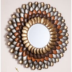 Fantastic DIY mirror frames that you can make yourself Do you have a desire to do things for yourself that everyone will admire? Check out our ideas for fantastic DIY mirror frames today that you c… Wall Mirrors With Storage, Rustic Wall Mirrors, Rustic Bathroom Decor, Rustic Decor, Decorative Mirrors, Plastic Spoon Crafts, Plastic Spoons, Spoon Mirror, Round Wall Mirror