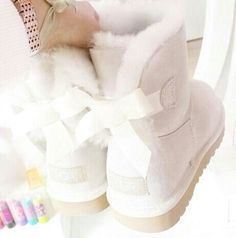Best uggs black friday sale from our store online.Cheap ugg black friday sale with top quality.New Ugg boots outlet sale with clearance price. Teen Fashion, Fashion Women, Fashion Trends, Celebrities Fashion, Runway Fashion, Fashion Online, Cute Shoes, Me Too Shoes, Tom Shoes