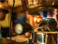 Schnaps selbst brennen - kleines Schnapsbrennseminar VILS | Schnapsbrenn-Seminar | Ingenieurbuero Andreas Heiss | myobis Kettle, Kitchen Appliances, Small Bottles, Diy Kitchen Appliances, Tea Pot, Home Appliances, Boiler, Kitchen Gadgets