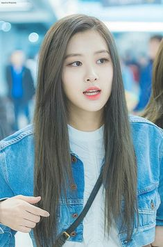 Your source of news on YG's biggest girl group, BLACKPINK! Please do not edit or remove the logo of. Kpop Girl Groups, Korean Girl Groups, Kpop Girls, 168, Rose Park, Blackpink Photos, Park Chaeyoung, Jennie Blackpink, Blackpink Jisoo