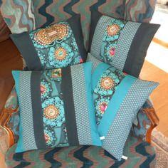 Housse de coussin bohème chic, patchwork, en bleu canard, bleu pétrole et turquoise