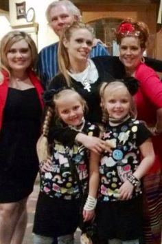 Texas Twins Leigh Ann Blais, Stephaney, Maryssa and Makenna Mahaney with Steve and Cindy Daniel #texastwins www.texastwinsevents.com