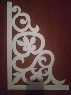 Celtic Border, Crochet Lamp, Diy And Crafts, Paper Crafts, Shelf Holders, Gallery Frames, Rangoli Designs, Scroll Saw, Dremel