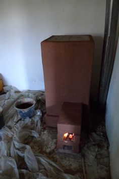 Bedroom rocket thermal mass heater