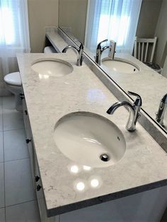 Loving this double sink vanity and the beautiful quartz sparkling in the light Bathroom Installation, Kitchen Showroom, Double Sink Vanity, Quartz Countertops, Houzz, Home Renovation, Powder Room, Luxury Homes, Kitchen Design
