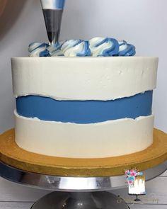 Buttercream Cake Designs, Cake Decorating Frosting, Cake Decorating Designs, Creative Cake Decorating, Cake Decorating Videos, Cake Decorating Techniques, Creative Cakes, Beautiful Cake Designs, Cool Cake Designs