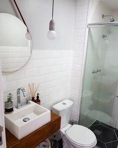 Trendy Ideas For Small Bath Room Inspiration Tiny House Small Bathroom With Shower, Tiny House Bathroom, Bathroom Plans, Bathroom Renovations, Diy Bathtub, Bathroom Interior Design, Bathroom Furniture, Bathroom Inspiration, Decoration
