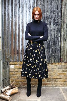 Black flared woven skirt with floral print in 100% organic certified cotton. Shell button and concealed side zip - People Tree