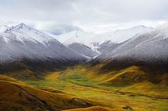 Snow Line at the Tibetan Plateau by reurinkjan, via Flickr