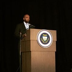 Dr. Bullock (@QBpresCCAC) kicks off the Q&A period at the #CCAC All College Day.