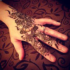 Modern Arab-Floral fusion strip www.blurberrybuzz.com
