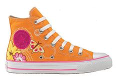 the coolest converse ever made...well, they're pretty freakin cool anyways:}