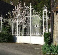Beautiful Garden Gate from myfrenchcountryhome.blogspot.com.