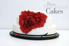 rose petal and butterfly cake Always A Bridesmaid, Wedding Bridesmaids, Red Rose Petals, Red Roses, Ron Ben Israel, Petal Cake, Wedding Consultant, Butterfly Cakes, Wedding Cakes