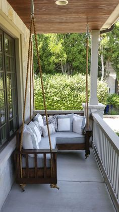 36 Perfect Ideas For Small Front Porch – Page 9 Outdoor Spaces, Outdoor Living, Outdoor Decor, Small Front Porches, Front Porch Swings, Balcony Swing, Porch Bed, Swing Seat, Gazebo
