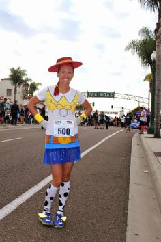 Jessie from Toy Story running costume. Disney 5k, Disney Races, Disney Ideas, Disney Running Outfits, Disney Themed Outfits, Disneyland Half Marathon, Disney Princess Half Marathon, Run Disney Costumes, Cool Costumes