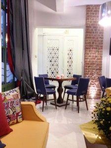 HOTEL DESIGN Cafe Bar, Vintage Fashion, Vintage Style, Curtains, Interior Design, Chair, Furniture, Home Decor, Nest Design