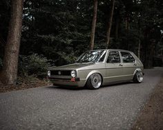 The Art of foto Scirocco Volkswagen, Volkswagen Golf Mk1, Vw Mk1, Vw Golf 3, Vw Group, Bmw E38, Honda Civic Hatchback, Car Goals, Top Cars