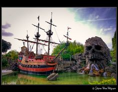 The pirate bay in Disneyland Paris. Great place for HDR work :o)    Lesson 1:  How to burn a sky!! Next time I will take more time to set my camera's adjustments. For example, use the spot measure for the light instead of global measuer :o(    -----------