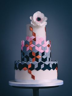 Our new geometric design wedding cake from our cake kitchen in Cheltenham in the Cotswolds. Our new geometric design wedding cake from our cake kitchen in Cheltenham in the Cotswolds. Cool Wedding Cakes, Beautiful Wedding Cakes, Gorgeous Cakes, Wedding Desserts, Pretty Cakes, Perfect Wedding, Foto Pastel, Geometric Cake, Fresh Flower Cake