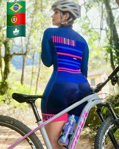 Girls Sports Clothes, Sporty Girls, Bicycle Women, Bicycle Girl, Triathlon Women, Radler, Races Outfit, Cycling Girls, Gymnastics Girls