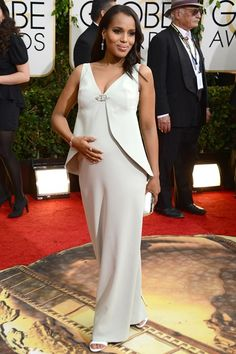 Kerry Washington's wore a custom-made pale green gown by Balenciaga. #GoldenGlobes #BabyBump #Loveit