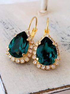 Emerald drop earrings, emerald green earrings,Swarovski earrings,emerald bridal earrings,emerald bridesmaids earrings,Gold or silver earring