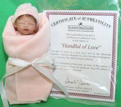 "HEAVENLY HANDFULS HANDFUL OF LOVE 4.5"" BABY DOLL + TINY BOTTLE ASHTON DRAKE NIB #AshtonDrake #DollswithClothingAccessories"
