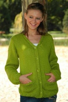 Comfortable Pocket Cardigan FREE EASY PATTERN: