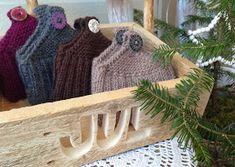Rita's Kosekrok: Lommetøfler under treet. Burlap, Reusable Tote Bags, Knitting, Hessian Fabric, Tricot, Breien, Stricken, Weaving, Knits
