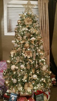 Gold themed tree...