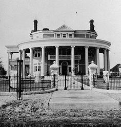 The Crescent, Valdosta, Georgia, c. 1898‐1900