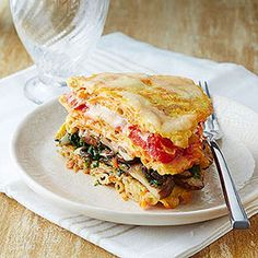 Get creative in the kitchen with these low-carb macaroni pancakes. The lasagna-sandwich hybrid features layers of mushrooms, spinach, and tomatoes.