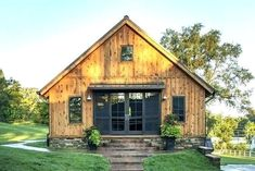Pole barn house plans and prices ohio with modern house exterior uk and small patio house plan and farmhouse kitchen floor runner and house interior wall painting Barn House Kits, Pole Barn House Plans, Pole Barn Homes, Cottage House Plans, Cottage Homes, Barn Houses, Pole Barn Kits, Barn Garage, Cabin Kits
