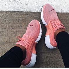 Very Cute Summer Shoes. These Shoes Will Look Good With Any Outfit. The Best of shoe in 2017.