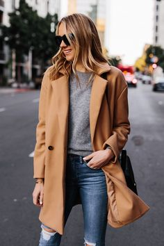 The immortal bit of coat that can keep going for more and will give you an ideal estimation of your … Classy Outfits, Chic Outfits, Fashion Outfits, Fashion Coat, Fall Fashion, Style Fashion, Casual Chic, Camel Coat Outfit, Mode Mantel