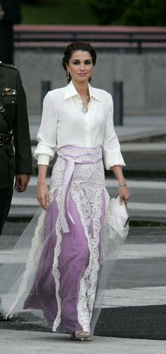 Queen Rania of Jordan at the wedding of Letizia to Prince Felipe of Spain  ~  white silk shirt ~  with a gorgeous lavender silk and lace skirt ~