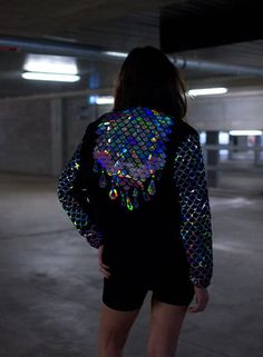 Holographic Fashion - The Shoppeuse Holographic Jacket, Holographic Fashion, Mode Style, Style Me, Burning Man, Look Patches, Glamour, Looks Cool, Alternative Fashion