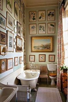 On My Bookshelf: The English Country House - Home Design with Kevin Sharkey Bad Inspiration, Bathroom Inspiration, Sweet Home, Bathroom Gallery, Gallery Walls, Art Gallery, Bathroom Photos, Bathroom Artwork, Paint Bathroom